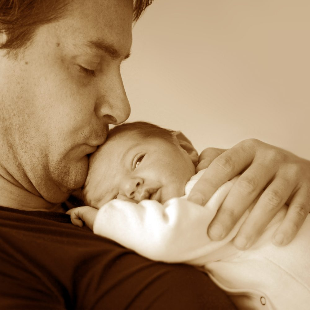 Contractions 5 Minutes Apart: 10 Top Labor Tips For First Time Dads